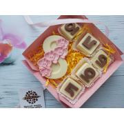 """Средний шоколадный набор буквы """"люблю"""" и """"8 марта"""""""