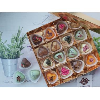 Набор 16 конфет в виде сердец