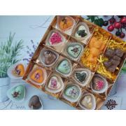 Набор 12 конфет в виде сердец и мишки