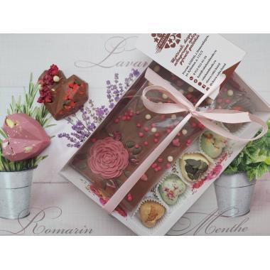 Набор 5 конфет в виде сердца и молочный шоколад