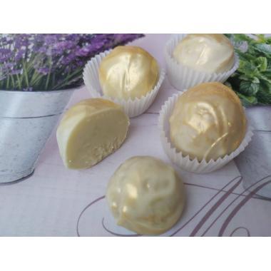 Набор 9 конфет трюфели с сыром дор блю на белом шоколаде  с манго