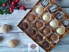 Набор 16 конфет сырные и шоколадные трюфели ассорти