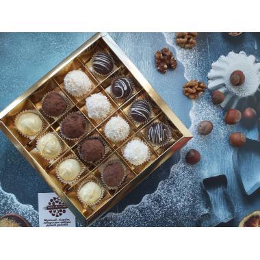 Набор 16 конфет сырные трюфели ассорти